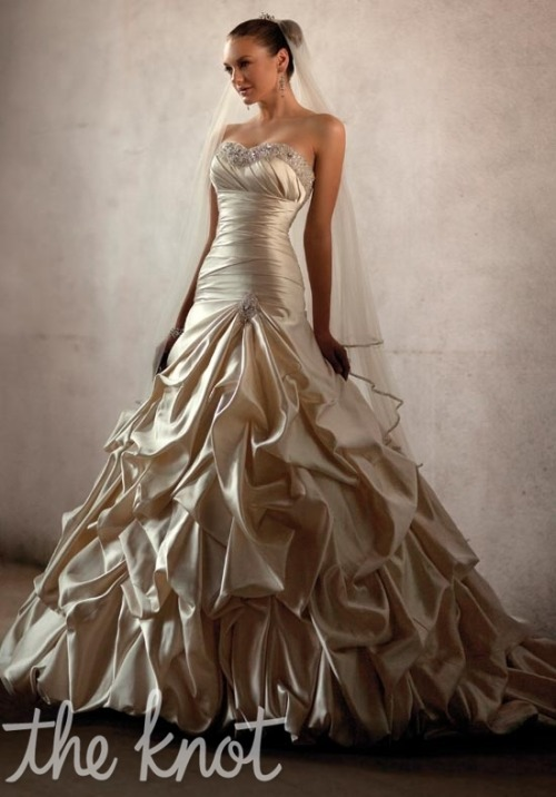 http://www.theknot.com/wedding-dress/essense-of-australia/d1275