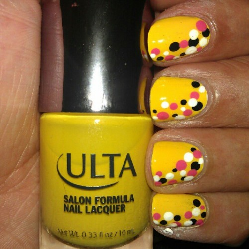 When boredom strikes, change your  #polish. #nailart #manicure #yellow #Ulta #beauty  (Taken with Instagram)