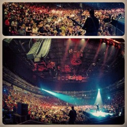 Tonight's show at #WellsFargoArena in #DesMoines, Iowa. This place is F'n huge!  (Taken with Instagram at Wells Fargo Arena)