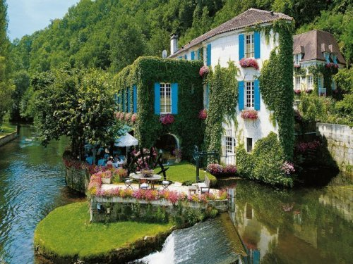Riverside, Brantome, France photo via tizo