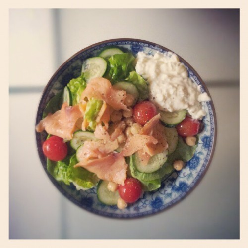 So in love with my #cleanandlean salad right now. Smoked salmon, romaine, cherry tomatoes, chickpeas, cucumbers & cottage cheese (Taken with Instagram)