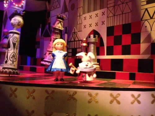 raerae089:  Alice in Wonder (in its a small world). I love that movie!