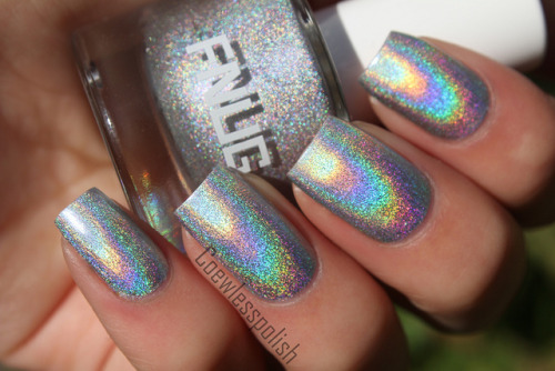 Fnug Psychedelic on Flickr.Amazing holographic nail polish by Fnug! Wow!www.coewlesspolish.wordpress.com
