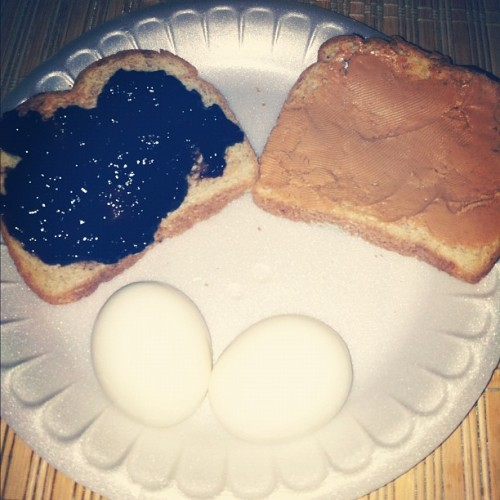 Morning meal ☺ #peanutbutter & #blueberryjelly on wheat toast & hard boiled eggs #healthy #yummy  (Taken with Instagram)