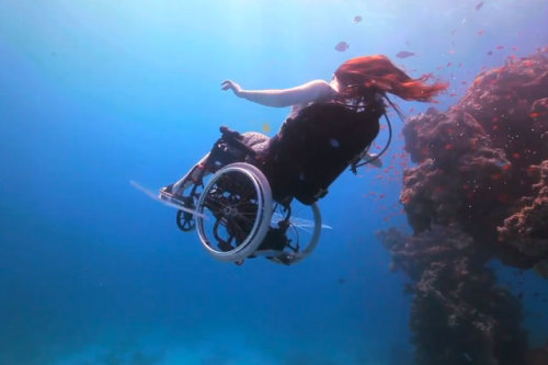 laughingsquid:  British Artist Creates Submersible Wheelchair She Can Pilot Underwater