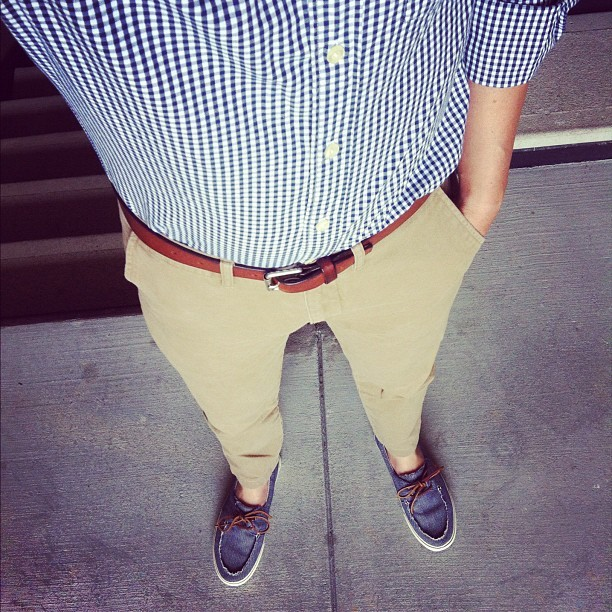 jonnyofthea:  kind of a boring day… #wiwt #ootd #menswear #gingham #chinos #jcrew #boatshoes #vans #vansca (Taken with Instagram)