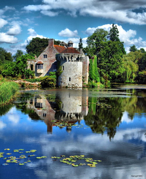 ensphere:  Scotney Castle (by Hairygit1965)