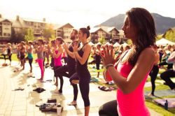 workingforthatbody:  Massed yoga class this is awesome!