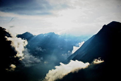 connipti0n:  atmosphere by Mostly Tim on Flickr.