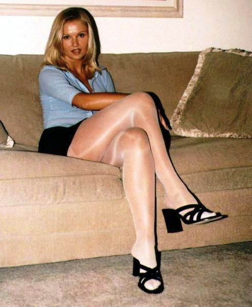 hot blonde in sheer #pantyhose #tights