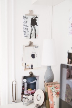 myidealhome:  moodboard with vertical clips (via @Tina Fussell)