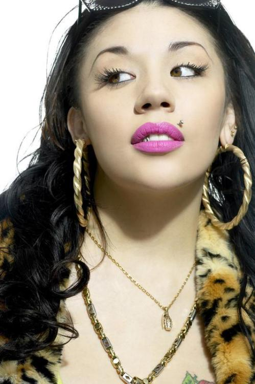 libertadsahakiel:  Mutya Buena is so damn cute.