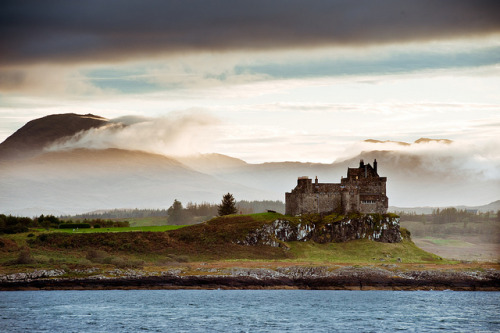 britishvibes:  Duart Castle, Isle of Mull, Scotland