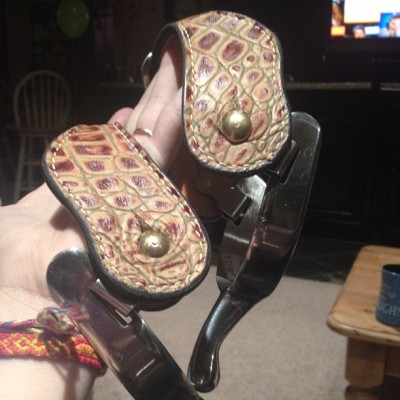 New spurs!! #nofilter #alligatorskin #gator #horse #horsebackriding #spurs #thankyoudaddy #cowgirl #wooooooo (Taken with Instagram)