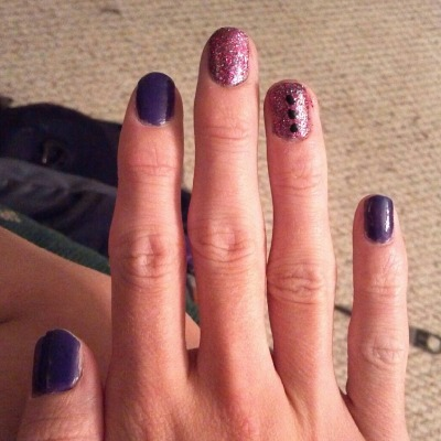 life-in-neon:  Femme flagging nails. Purple poly, pink glitter for fuck the patriarchy, and stoplights for radical consent.