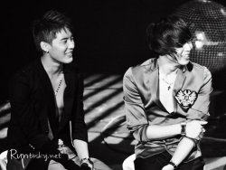 Yoosu's beautiful smiles! click for more KPOP