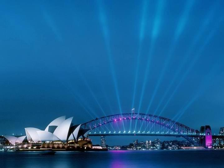 Sydney Opera House and Harbour Bridge. Sydney, Australia