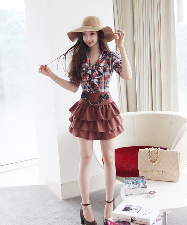 Lollimobile.com - cute outfit with ruffle skirt and plaid ruffle...