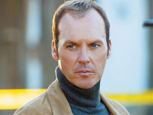 "Michael Keaton to replace Hugh Laurie in RoboCop Things have been a little rocky on the RoboCop reboot recently, what with Hugh Laurie dropping out of the project and director Jose Padilha reportedly describing the studio interference making his life ""hell"". However, things could now be looking up, with confirmation announced of a stellar replacement for Laurie…"