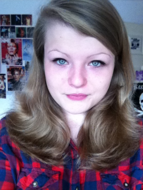Lookit! My hair is behaving! :')