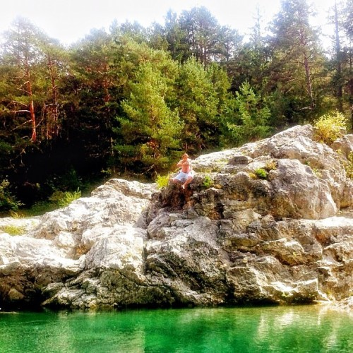 Dropping in… #lake #nature #me #water #rock #jump #crystal #swimming #nofilter #iphone4 #iphoneonly #drop #fun #goodtime #vacation #kärnten #forest  (Taken with Instagram)