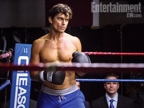 "Matt Bomer puts the gloves on (and takes his shirt off) in Sept. 11 episode of ""White Collar"""