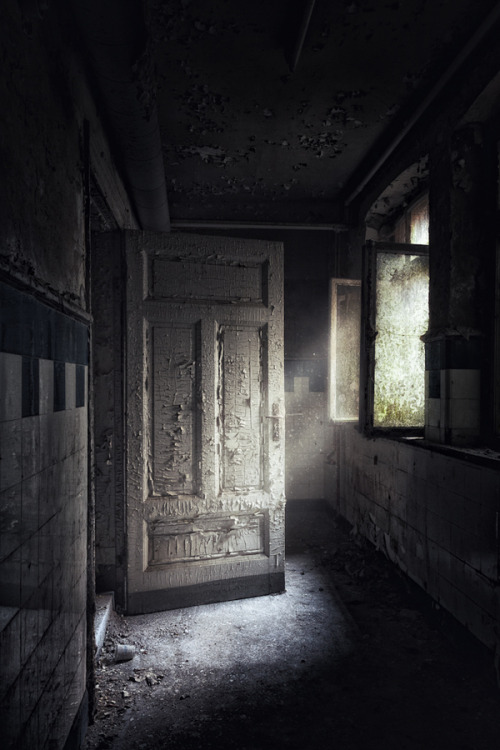 "derelictmetropolis:  (via 500px / Photo ""raise dust"" by Thorsten Schnorrbusch)"