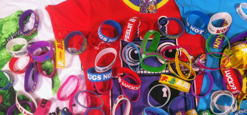 THE GREAT SILICON WRIST BAND GIVEAWAY What the? Free silicon wrist bands? So this is pretty simple, if you buy a t shirt from this collection you will get a free silicon wrist band worth £3.99. If you buy two, you get two and so on. That's pretty good right? Go go go… http://www.moretvicar.com/collections/the-great-silicon-wrist-band-giveaway