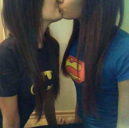comicbooksex:  True comic book love … ^_^