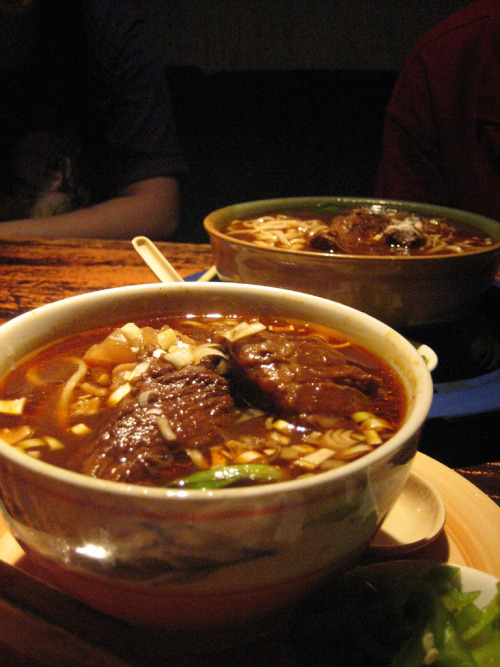 shelovesasianfood:  Taiwanese Beef Noodle Soup (by BrownGuacamole)  ok last one i promise