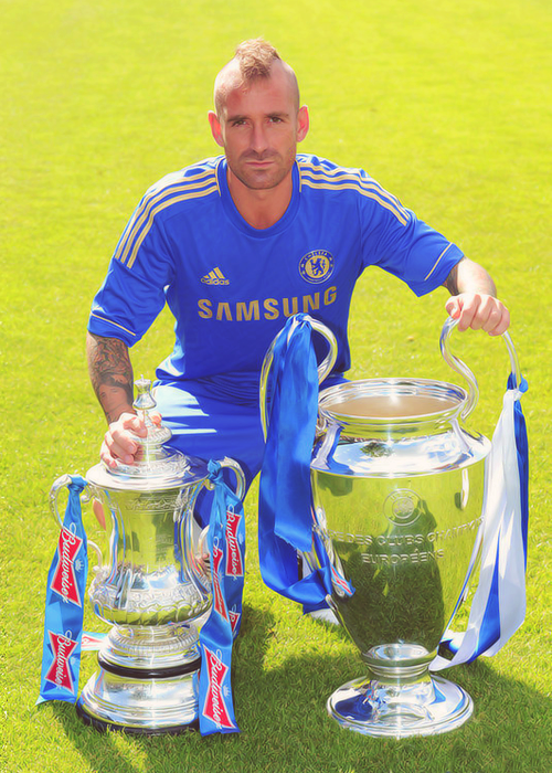 Meireles with things he can use to smash your head in.
