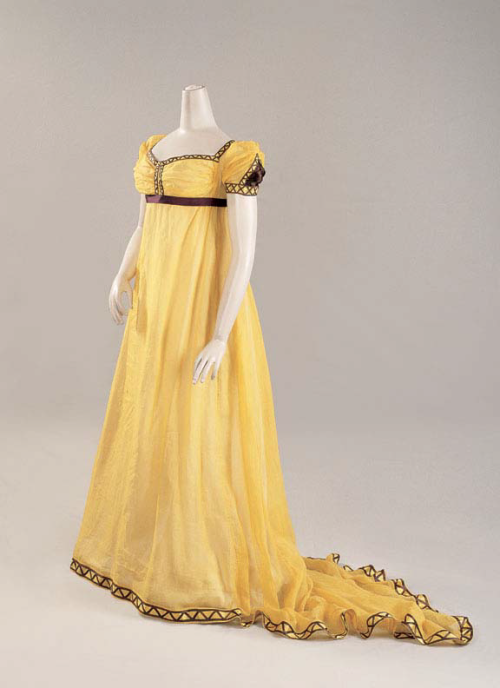 fripperiesandfobs:  Dress ca. 1800-05 From Cora Ginsburg LLC