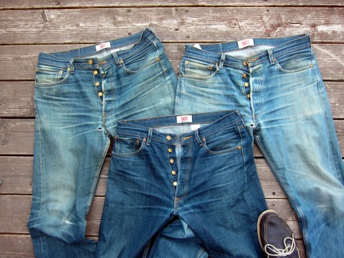 Pound for Pound, no better jean than the o-rig-a-nal 501 Levis…Just isn't… suitsandboots:  Shrink-to-fit evolution. The new selvage pair is drying as I type.