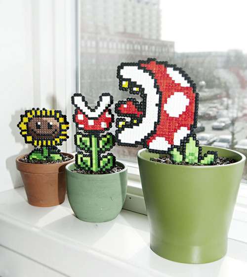it8bit:  Pixel Plants Created by Sandra Talving (via:gamingurumi)