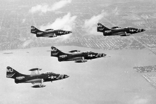 VMJ-3 F9F-5P Panthers in formation