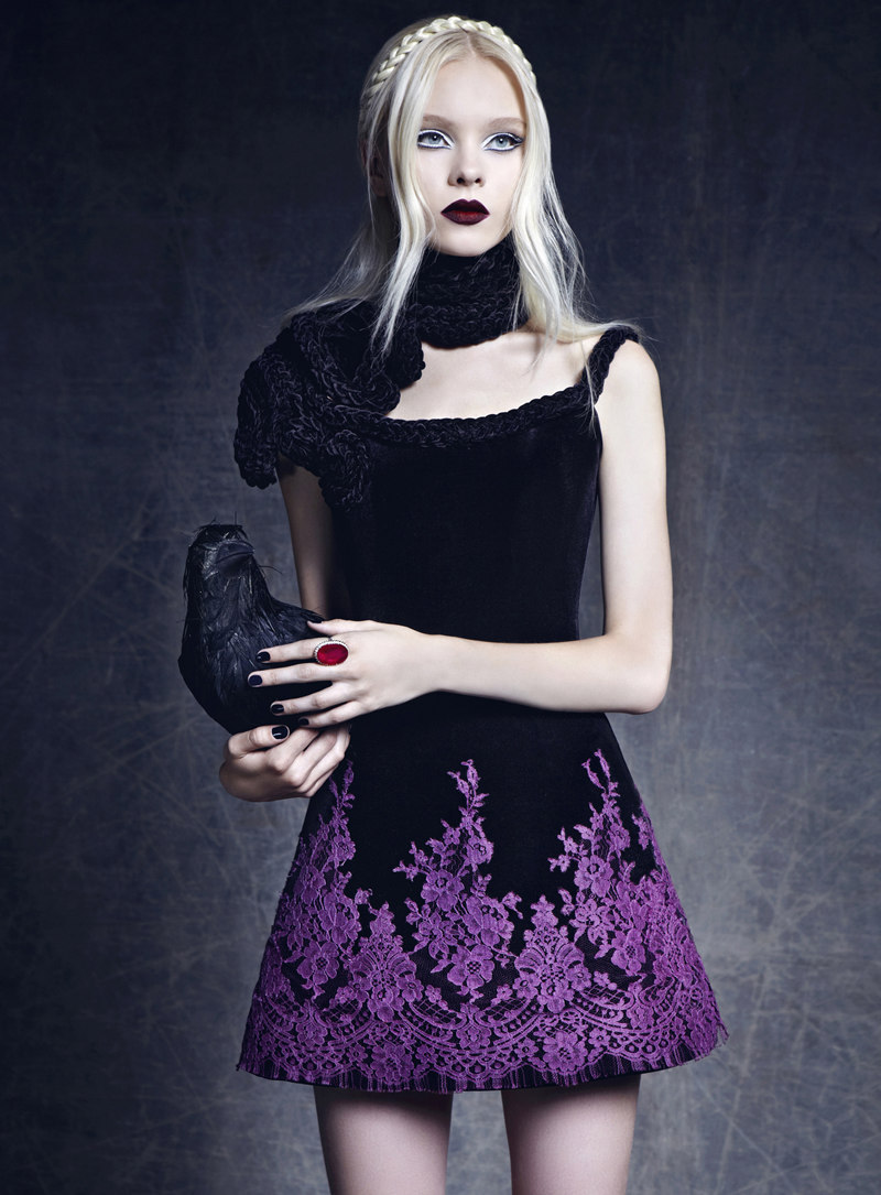 ilovegothgirls:  Anna 'Aspen' Gerasimova starred in an editorial for Turkey's Elle Magazine.