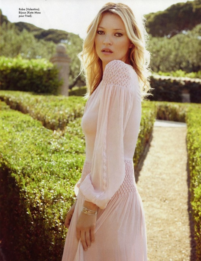 suicideblonde:  Kate Moss photographed by Sonia Sieff for Elle France, August 24th, 2012
