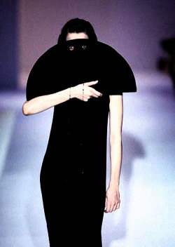 shoulderblades:  scent of tempests, hussein chalayan a/w 1997-98