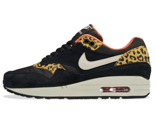 I NEED THAT: Sneakers: Nike Air Max Leopard Pack