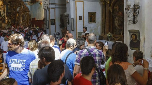 The church displaying the painting of Jesus, hilariously restored by a well meaning Spanish pensioner, is now thronged with visitors. There's a lesson here.