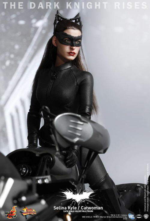 (via Hot Toys Reveals The Dark Knight Rises Catwoman Figure - ComingSoon.net) You guys? That's not a publicity still. That's a doll.