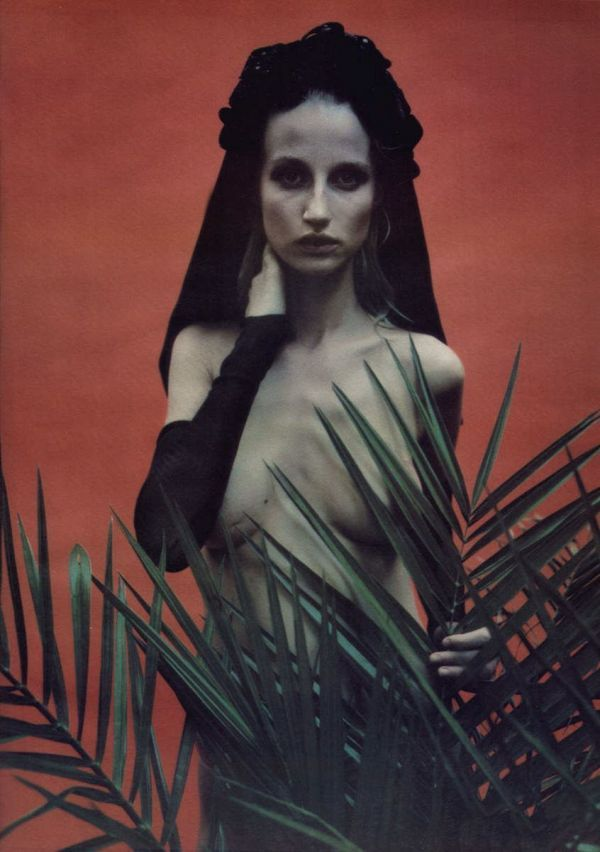 Esther de Jong, W, October 1996photography mario sorrenti