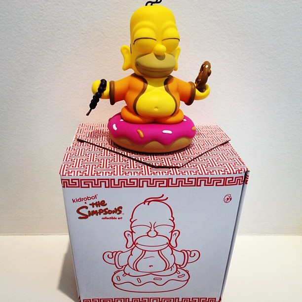 "Time to free your ""chakras "" with Homer Simpsons!! KIDROBOT.  #colette#colettestore#kidrobot#simpsons#mattgroening (Pris avec Instagram)"