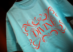 9printed tshirt, love the design and the color combination