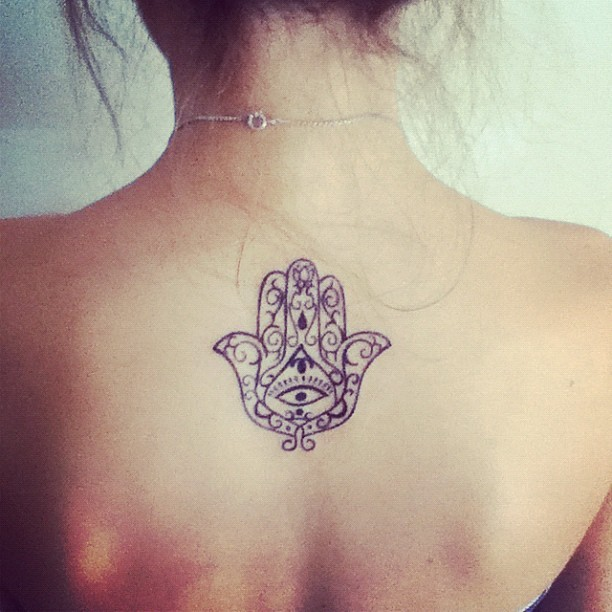 naturallybrunette:  if i were to get a tattoo it would have to be like that