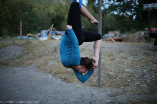 Sometimes I fly too. Photo by Josh Wisely at Northwest Blues Recess 2012.