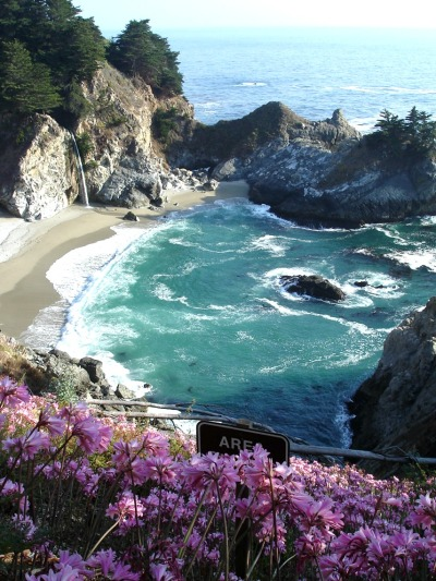 crystallineknowledge:  Big Sur, about an hour from my house.