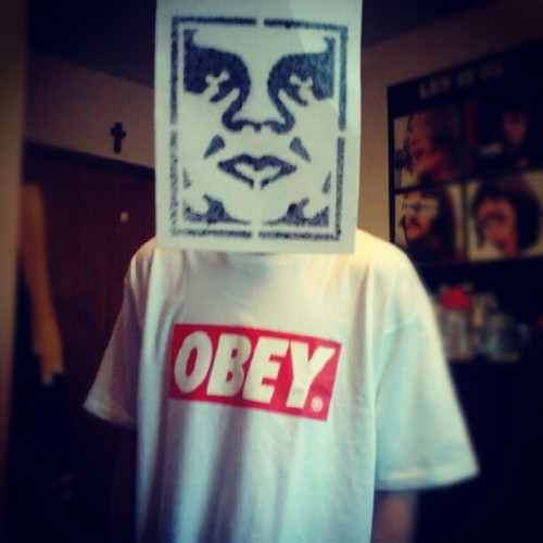 closer-to-clarity:  am i artsy yet? @carson_thompson #obey #tag #cool #picoftheday #bestoftheday #canadian #boy #hot #tshirt #hashtag #doubletap #lol #followme #holyhashtags #okimdone  (Taken with Instagram)