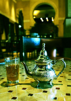 zarzor:  Tea a la Maghreb by Nasten on Flickr.
