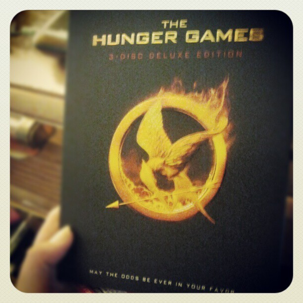 #hungergames #DVD #movie #thg #katniss #peeta #gale #haymitch #cinna #effietrinket #arena #archery  (Taken with Instagram)